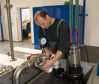 Zkoušení ponorného čerpadla